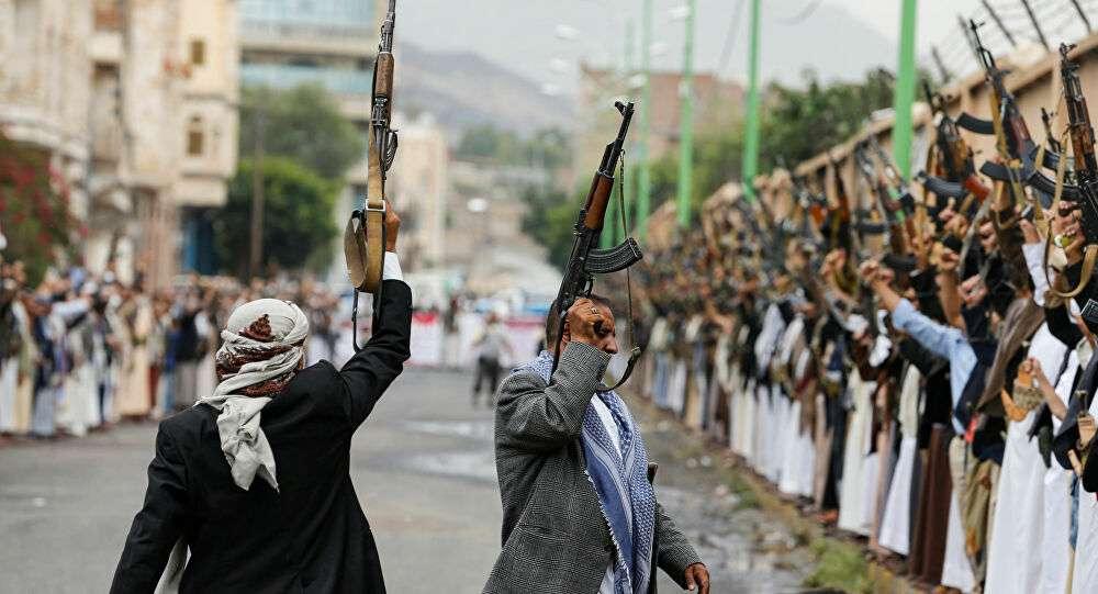 مستشار سعودي يكشف سر اعتراف أمريكا بشرعية الحوثي