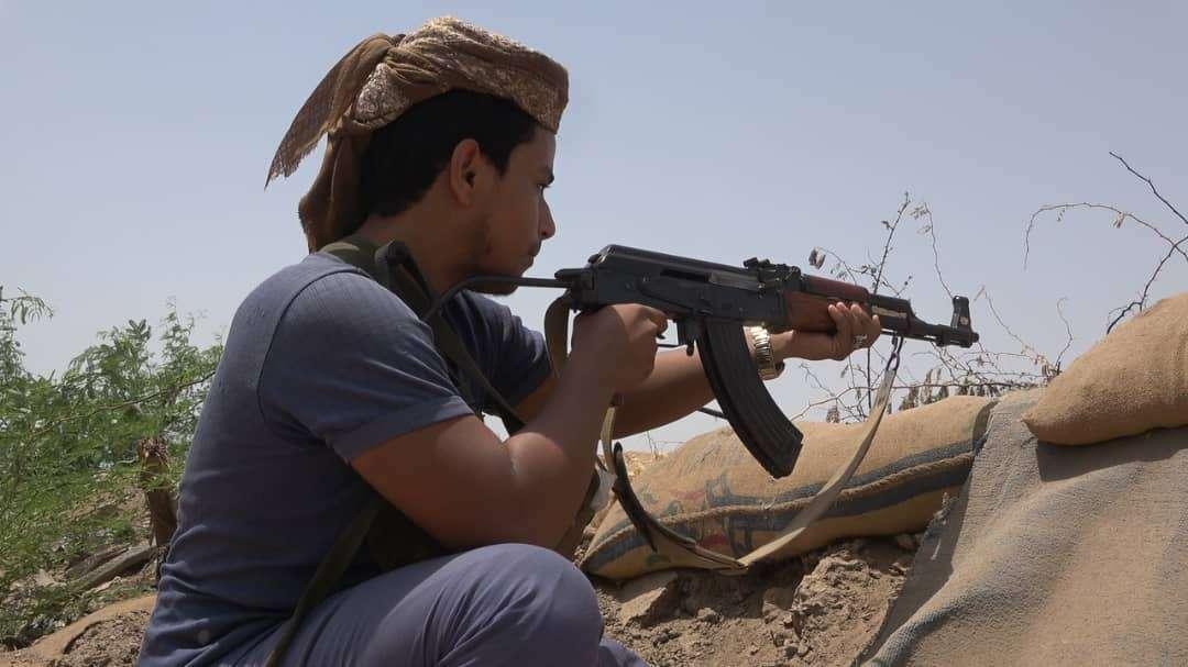 قوات اللواء الثامن عمالقة تكسر تسلل لمليشيا الحوثي شرق التحيتا