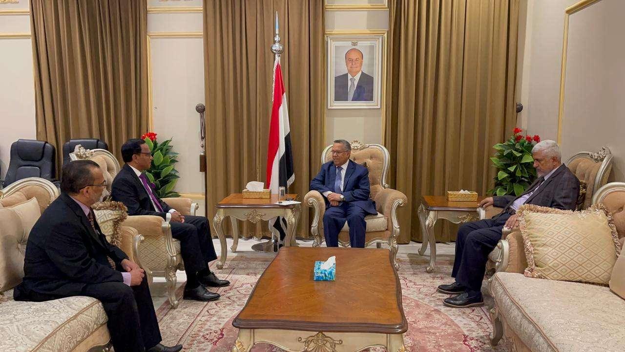 رئيس مجلس الشورى يلتقي سفير سريلانكا لدى اليمن
