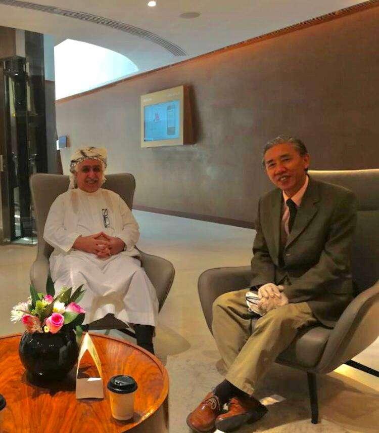 عضو مجلس الشورى ورئيس مجلس مشائخ قبائل أرحب يلتقي السفير الصيني لدى اليمن