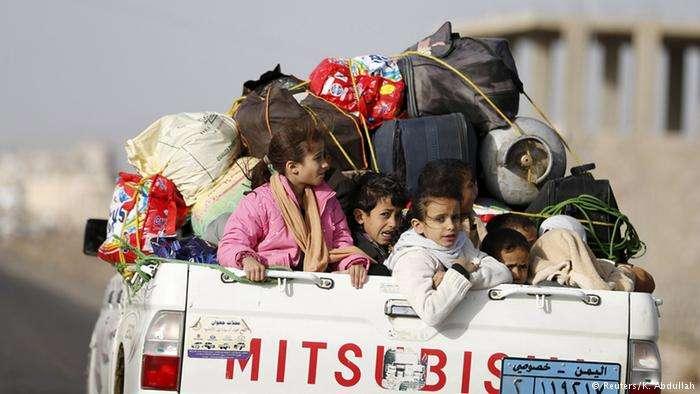الشرعية تدعو لضغط دولي يوقف تلاعب الحوثيين بالملف الإنساني