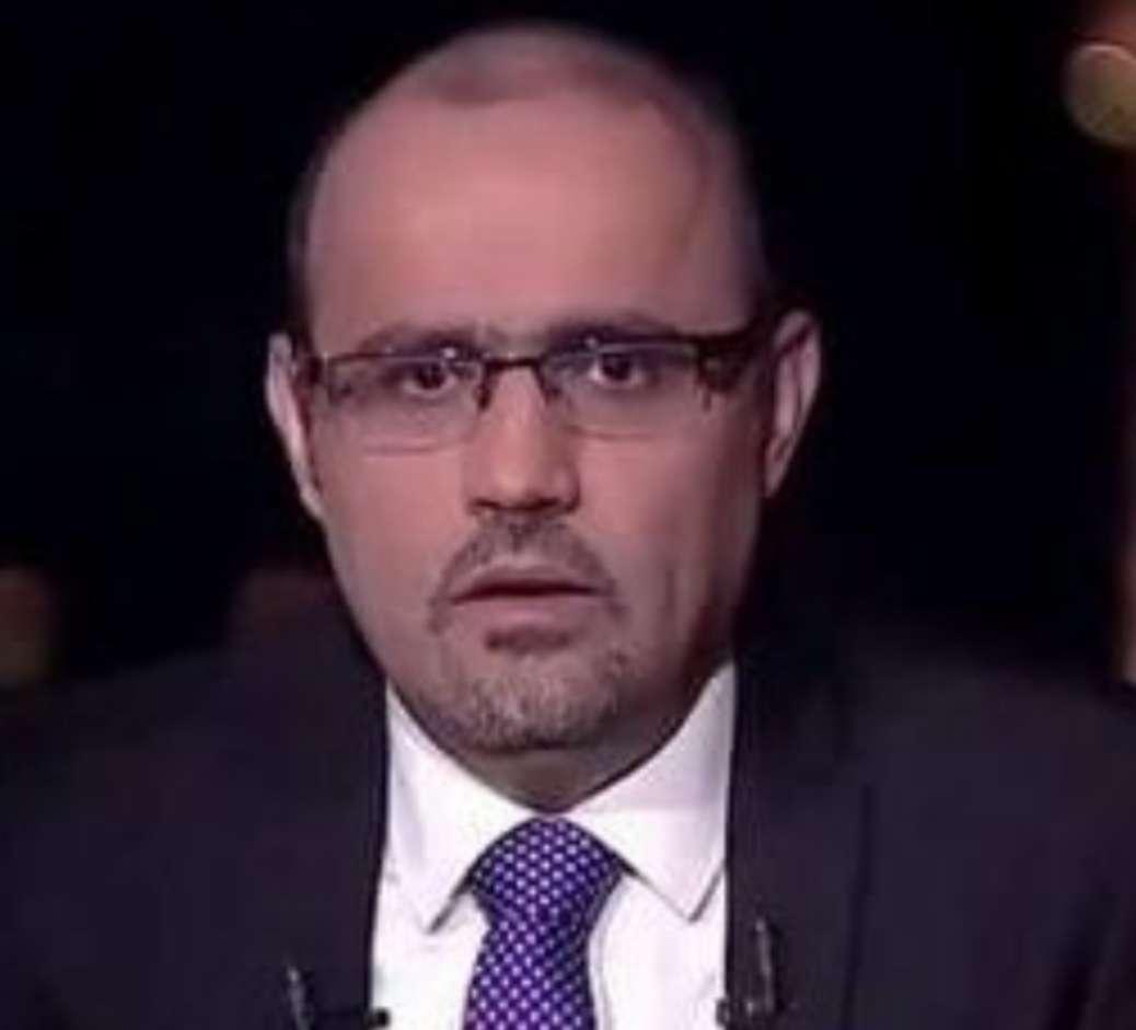 باحث سياسي :هدف مليشيات الحوثي ليس تغيير المناهج الدراسي فقط بل تفخيخها