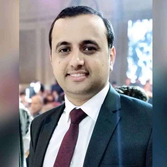 الصحفي مغلس:اليمنيون في معاناة مستمرة