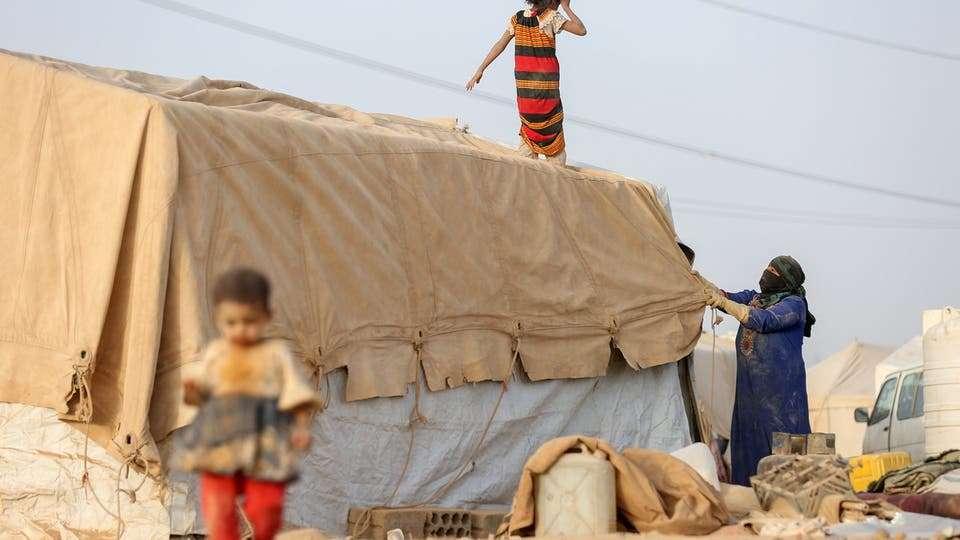 مدير مخيم بمأرب: 70% من المنظمات الدولية لم تف باحتياجات النازحين